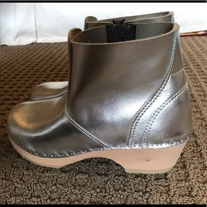 Hanna Andersson Swedish wooden sole boots 36